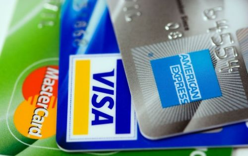 Les solutions de paiement offertes par les émetteurs de cartes de crédit aux entreprises